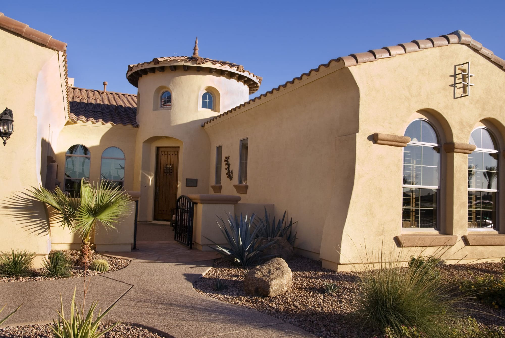 Sierra Remodeling installs high quality vinyl replacement windows into your Southeastern Arizona home!