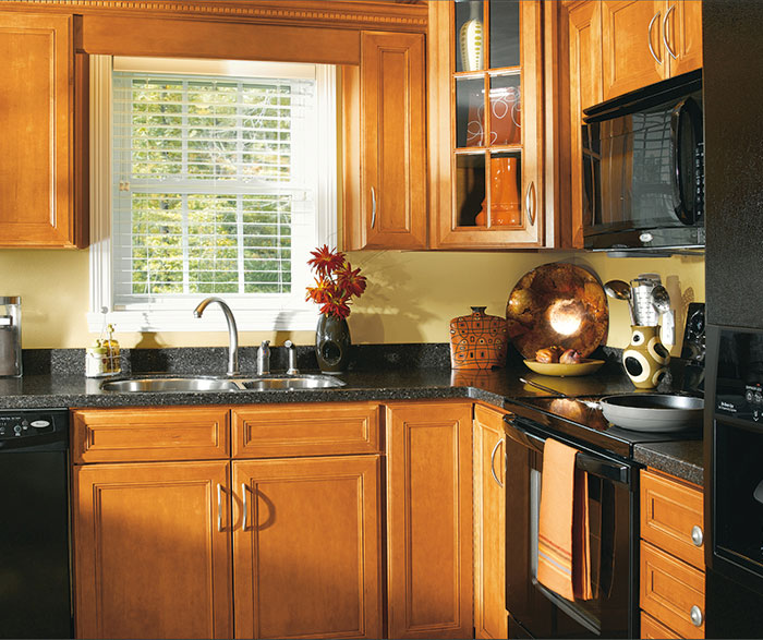 Maple Wood Cabinets In Traditional Kitchen 3 Sierra